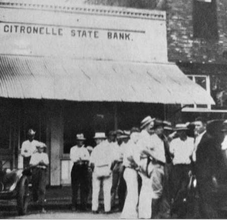 The Citronelle State Bank right after the 1928 robbery